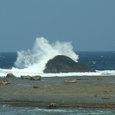 07.11荒れる土盛海岸