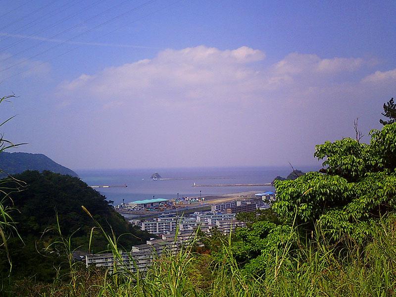 07.03東ヶ丘団地から名瀬湾を望む